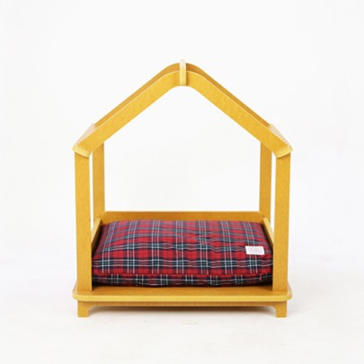 Unique dog beds, plaid and preppy bed