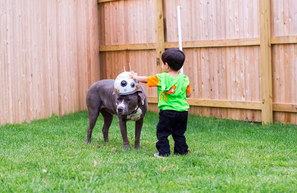Ethaniel and Caylao, playing outside