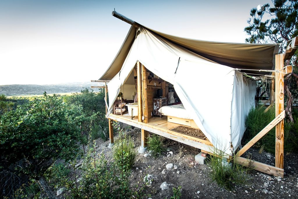 Where to Go Glamping With Your Pup in 2017